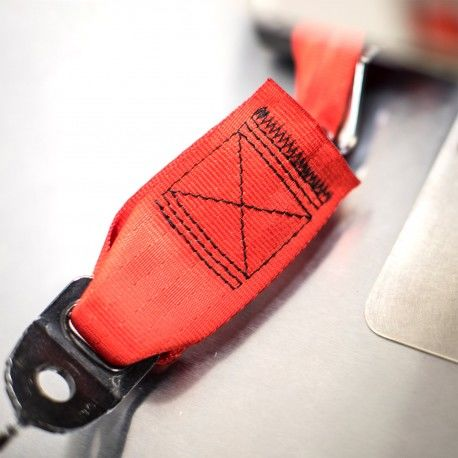 classic-car-seat-belt